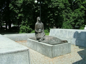 The Katyń Memorial Pieta. Photo: Wikimedia Commons