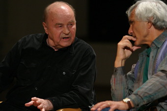 Zygmunt Molik i Eugenio Barba w czasie XIV sesji ISTA, Wrocław 2005
