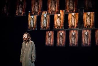"""""""Życie między niebem a ziemią"""", spektakl Liu Libin; 15 października 2016. Fot"""