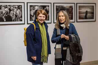 Wernisaże wystaw, od lewej: Monika Blige, Rena Mirecka; 27 października 2017