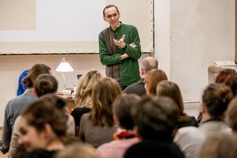 """""""Teatr Petera Brooka – między dwoma rodzajami ciszy"""", wykład Grzegorza Ziółko"""