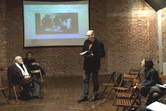"""""""Reduta – nowe spojrzenia"""", Wrocław 29.11.2010, na zdjęciu: Ludwik Flaszen, Iren"""