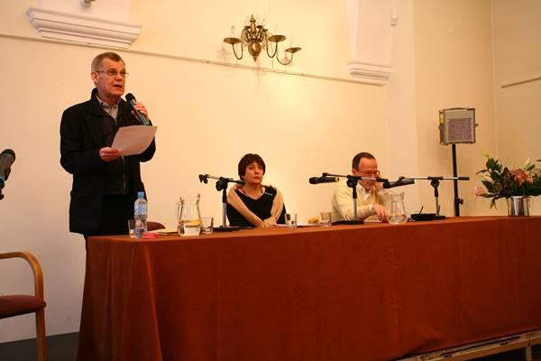 Od lewej: Zbigniew Osiński, Jenna Kumiega, Marco De Marinis