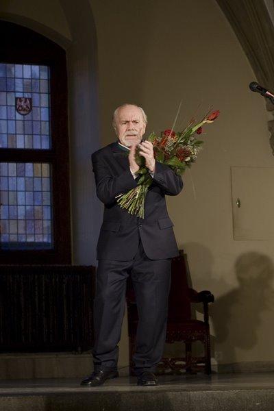 Na zdjęciu: Ludwik Flaszen