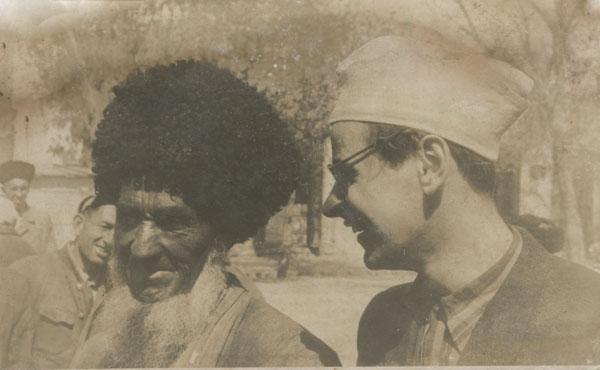 Jerzy Grotowski podczas podróży do środkowoazjatyckich republik ZSRR