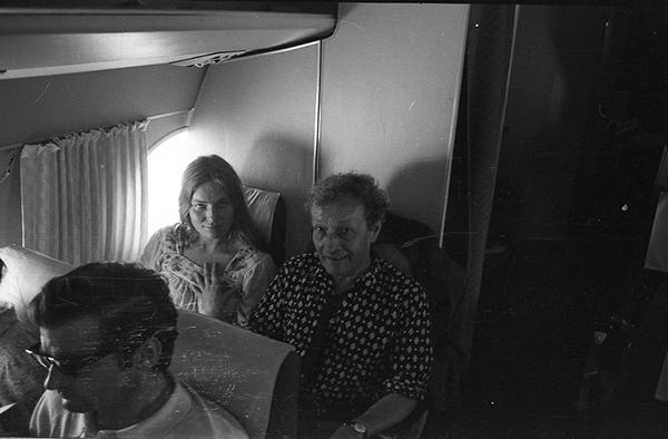 Od lewej: osoba nierozpoznana, Jean-Louis Barrault