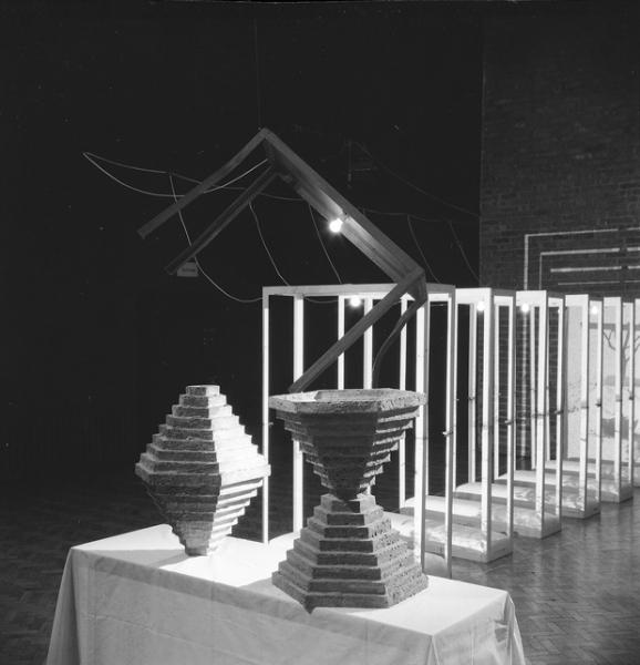 """Wystawa Krzysztofa Bednarskiego """"Passage V and P"""""""