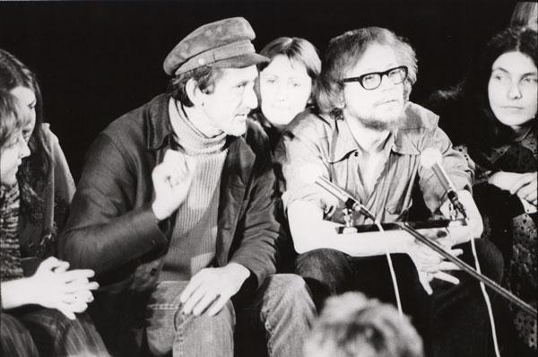 André Gregory i Jerzy Grotowski w czasie otwartego spotkania w ramach Uniwersyte