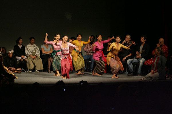 Topeng. Historia Dalema Bungkunta, Gambuh Desa Batuan Ensemble (Bali)