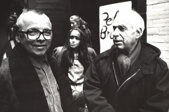 Stanisław Krotoski i Peter Brook przed wejściem do Ośrodka w grudniu 1991