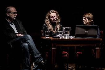 """Hamlet, czyli """"co jest w Polsce – do myślenia"""", spotkanie poświęcone książce Wan"""