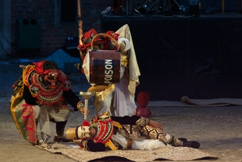 """Spektakl """"Ur-Hamlet"""" prezentowany we Wrocławiu w ramach festiwalu"""