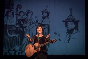 """VoicEncounters; """"DiaPassion"""", koncert Fátimy Mirandy; na zdjęciu: Fátima Mir"""