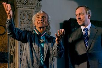 Eugenio Barba i Bogdan Zdrojewski w czasie ceremonii