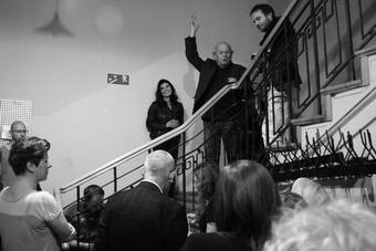 """Otwarcie instalacji """"Post-Apocalypsis"""", od lewej: Agnieszka Jelewska, Jerzy"""