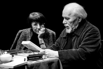"""""""Hamlet"""". Spotkanie seminaryjne Ludwika Flaszena z udziałem Joanny Walaszek 12 s"""