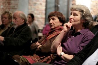 Irena Flaszen, Ludwik Flaszen, Alina Obidniak i Jana Pilátová w czasie spotkania