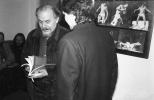 Ludwik Flaszen w gabinecie dyrektora Ośrodka Grotowskiego